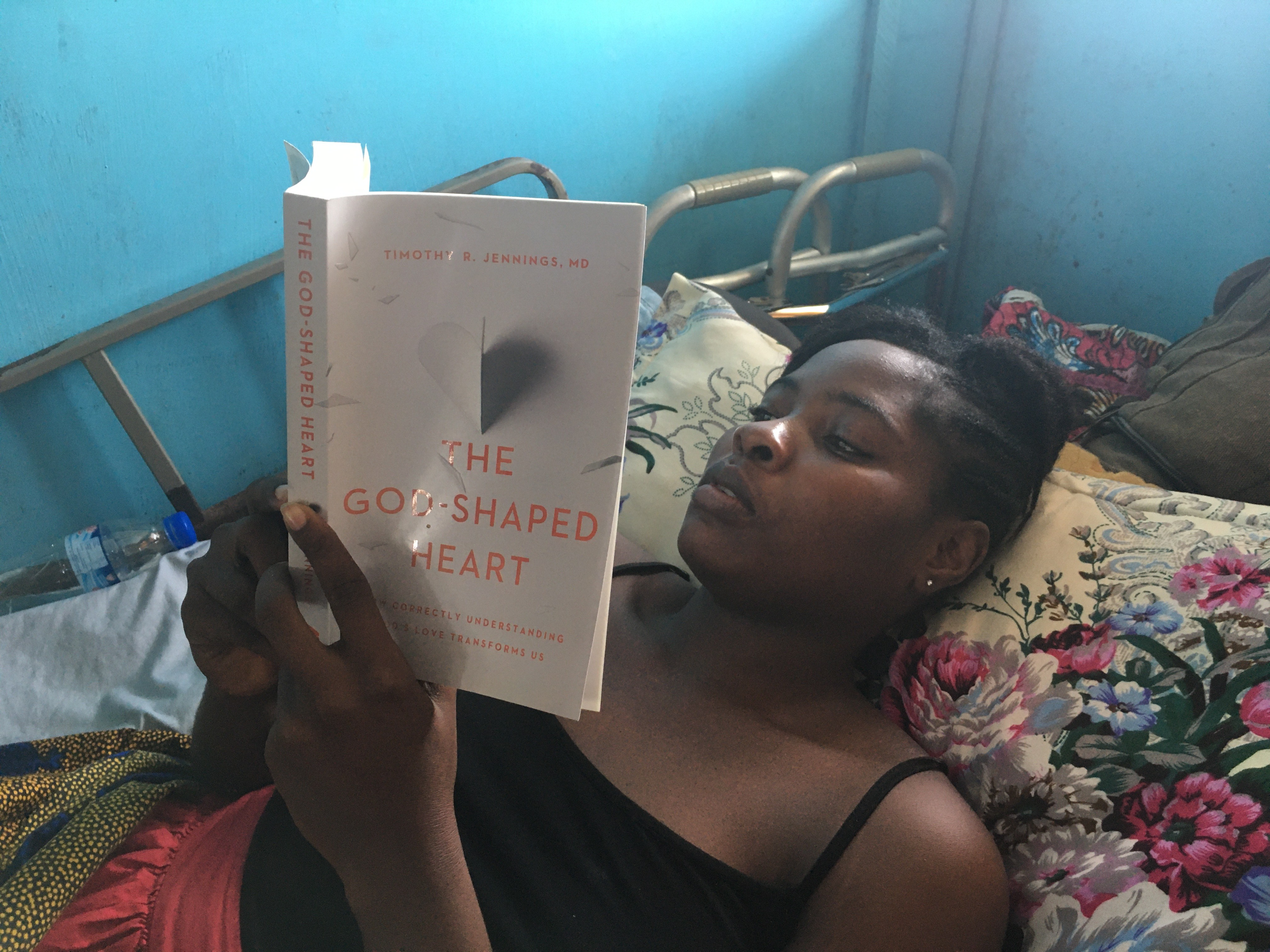 Patients in Liberian Hospital Get C&R Books